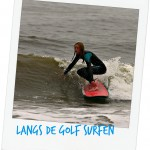langs de golf surfen
