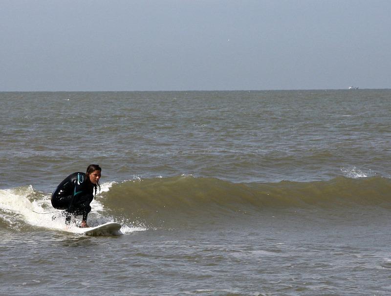 high-heel-surfing-1c
