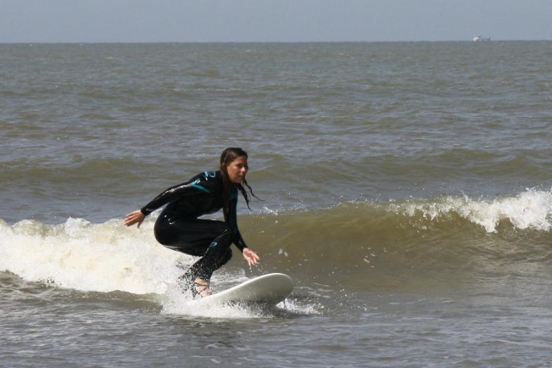 high-heel-surfing-5