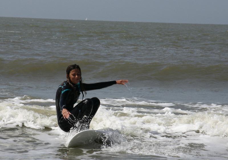 high-heel-surfing-6