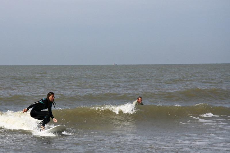 high-heel-surfing-8