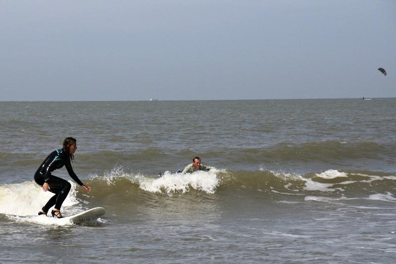 high-heel-surfing-9a