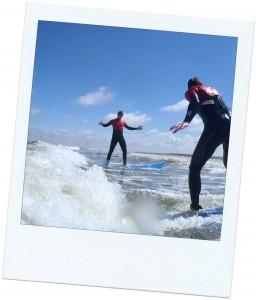 surfen met vrienden